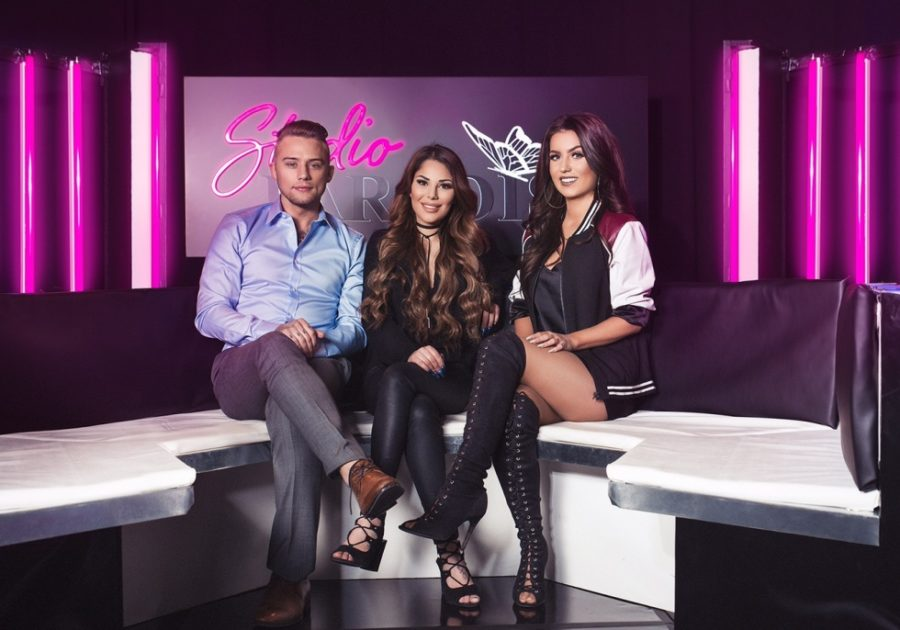 Jasmine och Adrian programledare för 'Studio Paradise'
